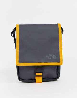 The North Face Bardu flight bag in gray
