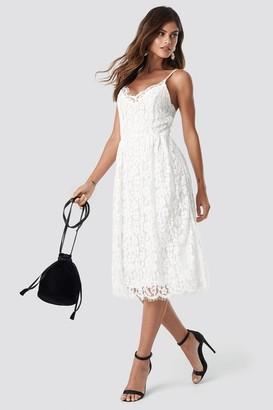 Na Kd Trend Scalloped Edge Lace Dress