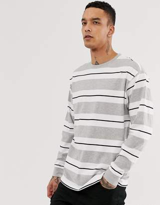 New Look oversized long sleeve cuff t-shirt in gray stripe