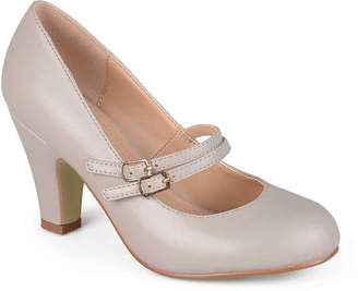 Journee Collection Windy Pumps