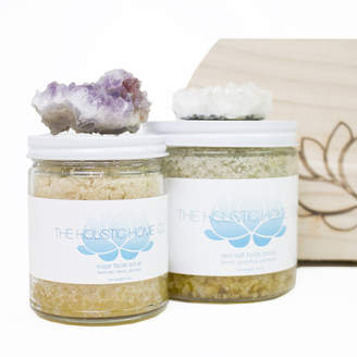 The Holistic Home Company Deluxe Aromatherapy Sea Salt Scrub Set with Crystal