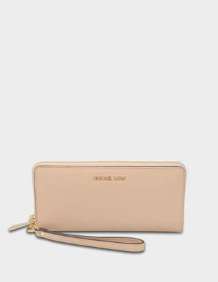 MICHAEL Michael Kors Jet Set Travel Continental Wallet in Oyster Saffiano Leather