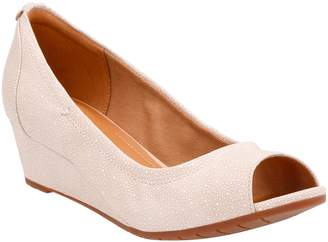 Clarks R) Vendra Daisy Open Toe Wedge