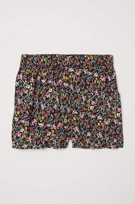 H&M Patterned Shorts - Black/small floral - Women