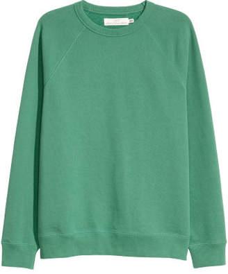 H&M Sweatshirt with Raglan Sleeves - Green