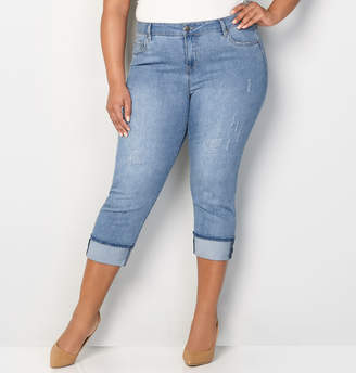 Avenue Cuffed Denim Capri in Medium Wash
