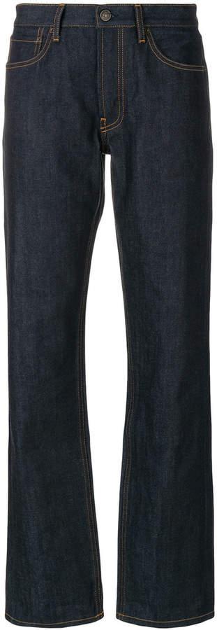 Weite Jeans mit Kontrastnähten