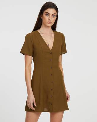 Atmos & Here ICONIC EXCLUSIVE - Bobbie Button-Front Dress