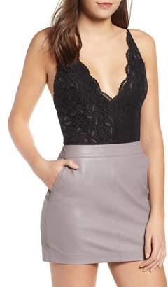 Leith Plunge Neck Sleeveless Lace Bodysuit