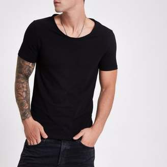 River Island Mens Black muscle fit scoop neck T-shirt