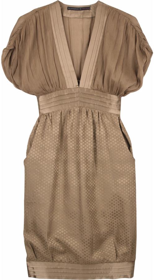 Development Jacquard v-neck dress