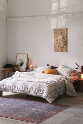 Leona Tufted Border Comforter