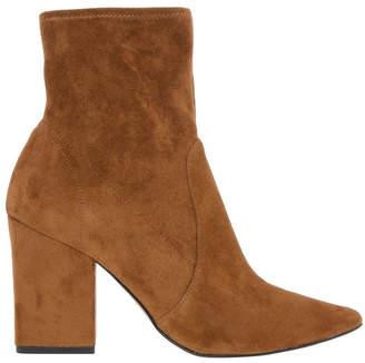 Giselle Tan Boot