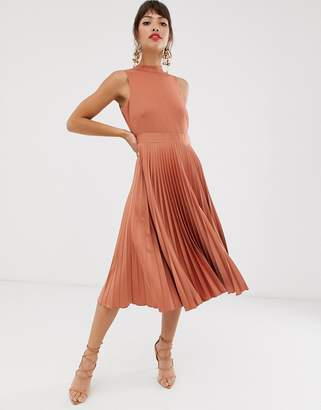 Closet London Closet pleated skirt midi dress in rust