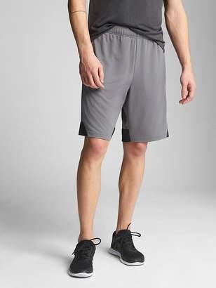 """GapFit 10"""" Mesh Shorts"""