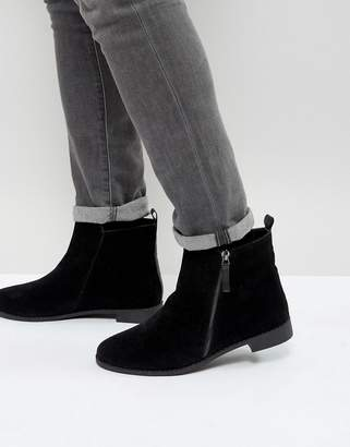 Brave Soul Side Zip Chelsea Boots In Black