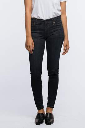 Fashionable Dark Skinny Jeans