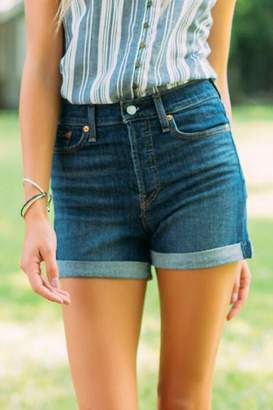 francesca's Levi's High Rise Cuffed Shorts in Wedgie from the Block - Dark