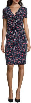 LIZ CLAIBORNE Liz Claiborne Short Sleeve Sheath Dress $60 thestylecure.com