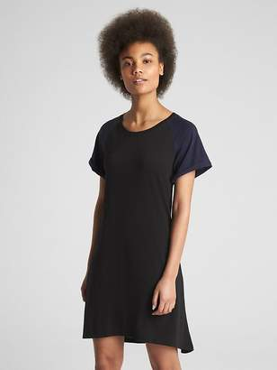 Gap Short Sleeve Raglan Swing Dress