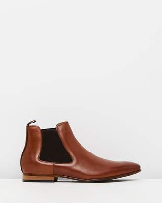 yd. Downtown Chelsea Boots