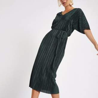 River Island Dark green plisse kimono sleeve dress