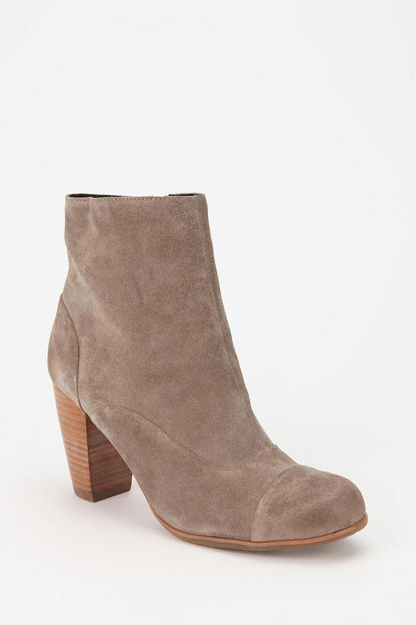 Dolce Vita Nuri Suede Ankle Boot