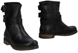 Danielle Ankle boots