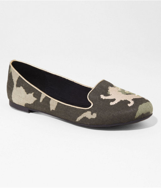 Express Camouflage Embroidered Lion Tuxedo Flat