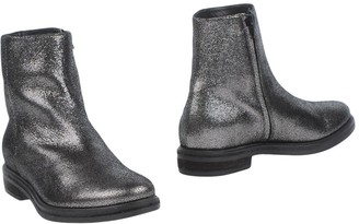 VIC Ankle boots
