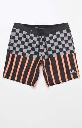 "Quiksilver Check Magnet 18"" Boardshorts"