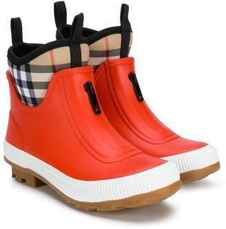 Burberry Check-lined wellies