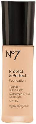 Boots No7 Protect & Perfect Foundation Cool by