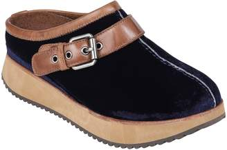 Earth R) Lyra Buckle Clog
