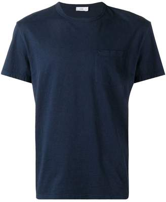 Closed round neck T-shirt