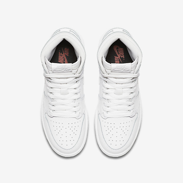 Air Jordan 1 Retro High OG Big Kids' Shoe 11