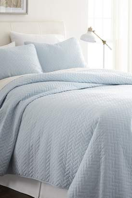 IENJOY HOME Home Spun Premium Ultra Soft Herring Pattern Quilted King Coverlet Set - Pale Blue