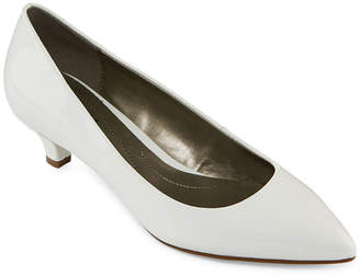 Cassandra East Fifth east 5th Womens Ef Pumps Slip-on Pointed Toe Kitten Heel