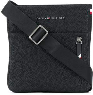 Tommy Hilfiger logo messenger bag
