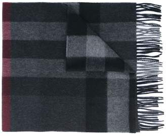at Farfetch Burberry The Large Classic Cashmere Scarf in Check