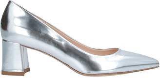 Chantal Pumps - Item 11556930HL
