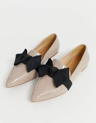 5e30e4db879 BEIGE Asos Design ASOS DESIGN Ludo bow ballet flats loafers in warm