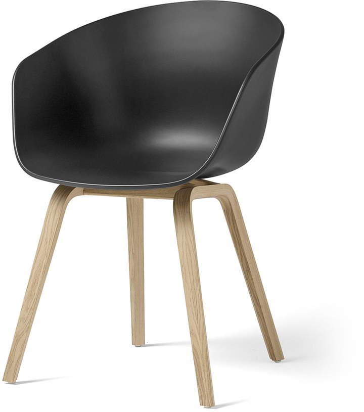 Hay - About A Chair AAC 22, Holz-Vierbeingestell (Eiche matt lackiert) / soft black