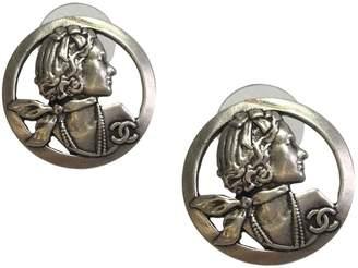 Chanel Camélia silver earrings