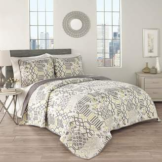Waverly Traditions by Set in Spring 3-Piece Quilt Collection