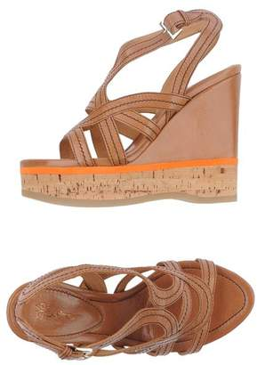 Eva Turner Wedge