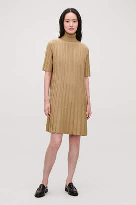 Cos SCALLOP PLEATED KNIT DRESS
