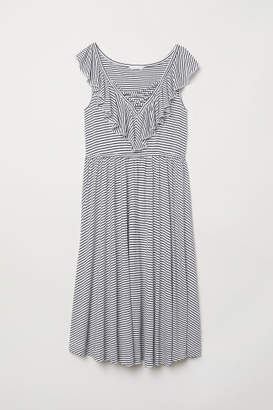 H&M MAMA Dress with Flounce - White