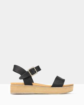 betts Fortress Platform Sandals
