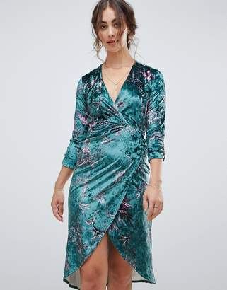Hope and Ivy Hope & Ivy long sleeve wrap front velvet midi dress in bird print